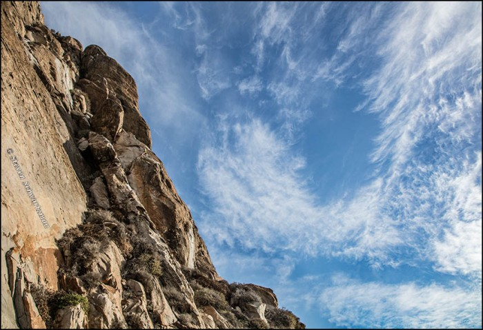 morro-rock-and-wispy-clouds-0506