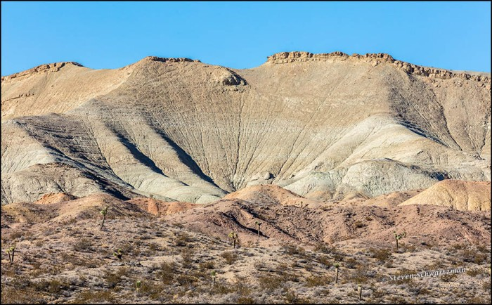 desert-landscape-north-of-barstow-7179